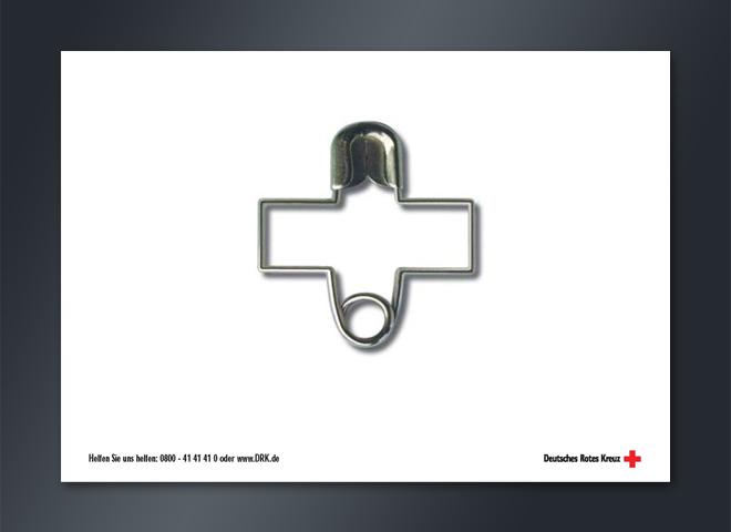 Anzeigenkampagne Deutsches Rotes Kreuz Helfen verformte Büroklammer Anzeige Telefonnummer Idee www.mattheis-berlin.de Mattheis Werbeagentur Berlin