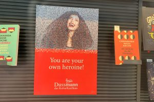 Dussmann Plakat Frauenkampagne 2021