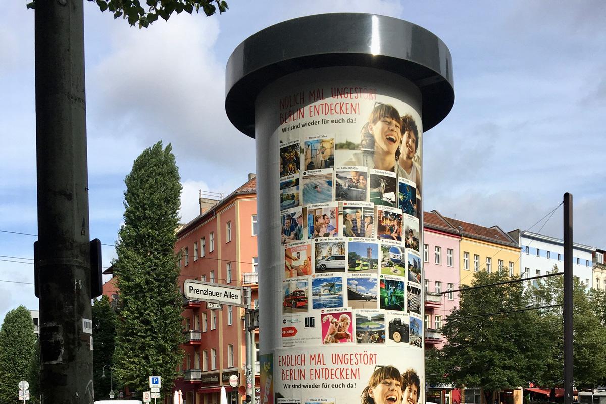 Plakatkampagne Intoura Prenzlauer Allee