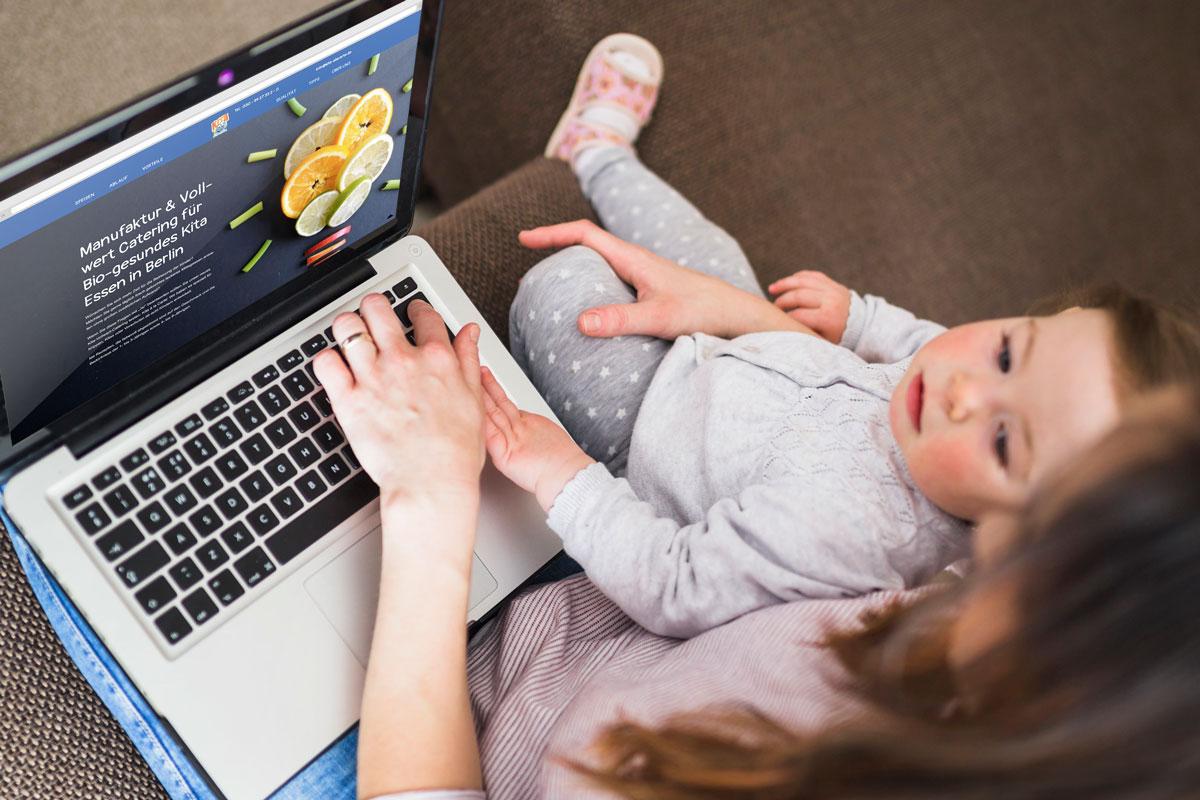 Kita á la Carte Webdesign Mutter mit Kind | mattheis. werbeagentur gmbh